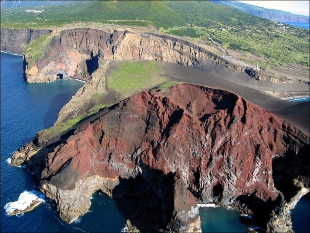 "Aerial view of the Capelinhos volcano. (© Herbert Terra, via <a href=""http://www.panoramio.com/photo/44554353"" target=""_blank"">Panoramio</a>)"