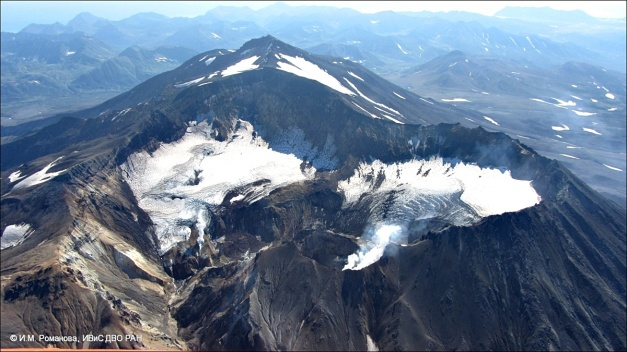 State of Mutnovsky volcano on September 12, 2014. (© I.M. Romanova, IVS FEB RAS)